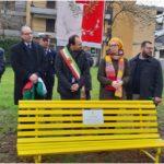 Inaugurazione panchina gialla per Regeni a Montemurlo