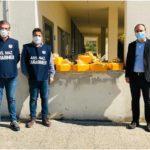 Rsa di Cicignano il sindaco Calamai e l'associazione nazionale Carabinieri di Montemurlo portano in dono colombe pasquali