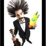 """Teatro nel Parco, con """"Rio Boom – boom"""" Ugo Sanchez jr porta nel giardino di Villa Giamari l'allegria contagiosa di un clown irriverente"""