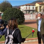 SkyTg24 a Montemurlo per raccontare la storia del sindaco Calamai che ricorda i montemurlesei morti per Covid
